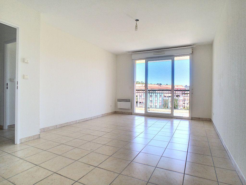 Appartement à louer 2 45m2 à Vallauris vignette-2