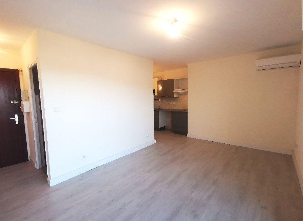 Appartement à louer 1 25m2 à Vallauris vignette-3