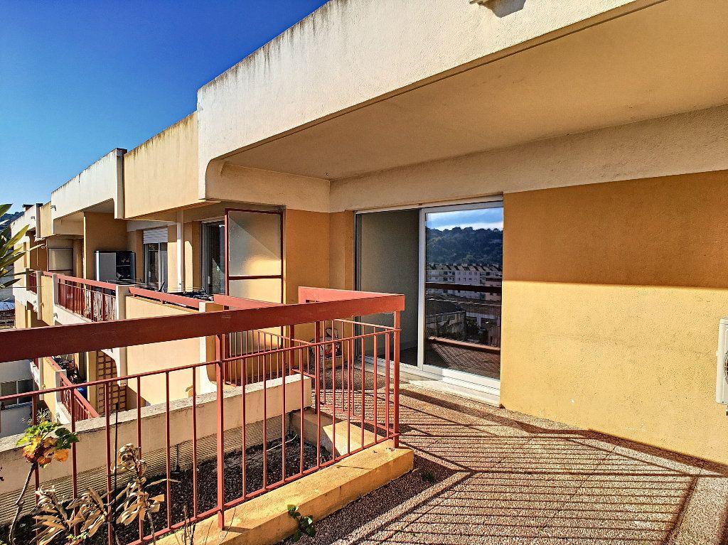 Appartement à louer 1 25m2 à Vallauris vignette-6