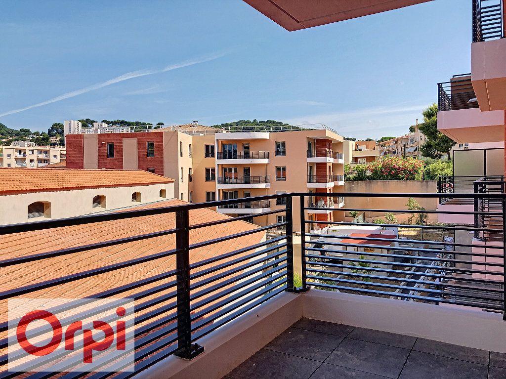 Appartement à louer 2 39.57m2 à Vallauris vignette-2