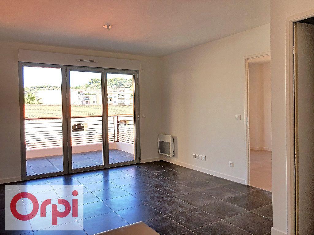 Appartement à louer 2 39.57m2 à Vallauris vignette-3