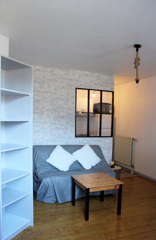Appartement à louer 1 27m2 à Courdimanche vignette-2