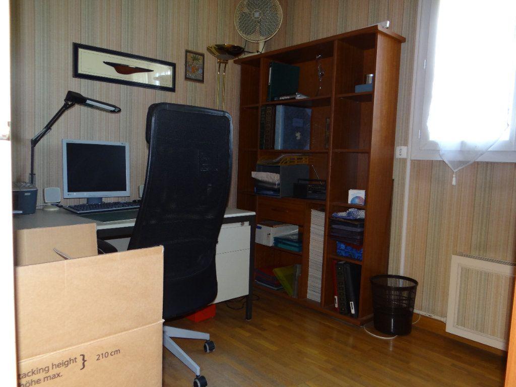 Maison à vendre 6 105.85m2 à Menucourt vignette-16