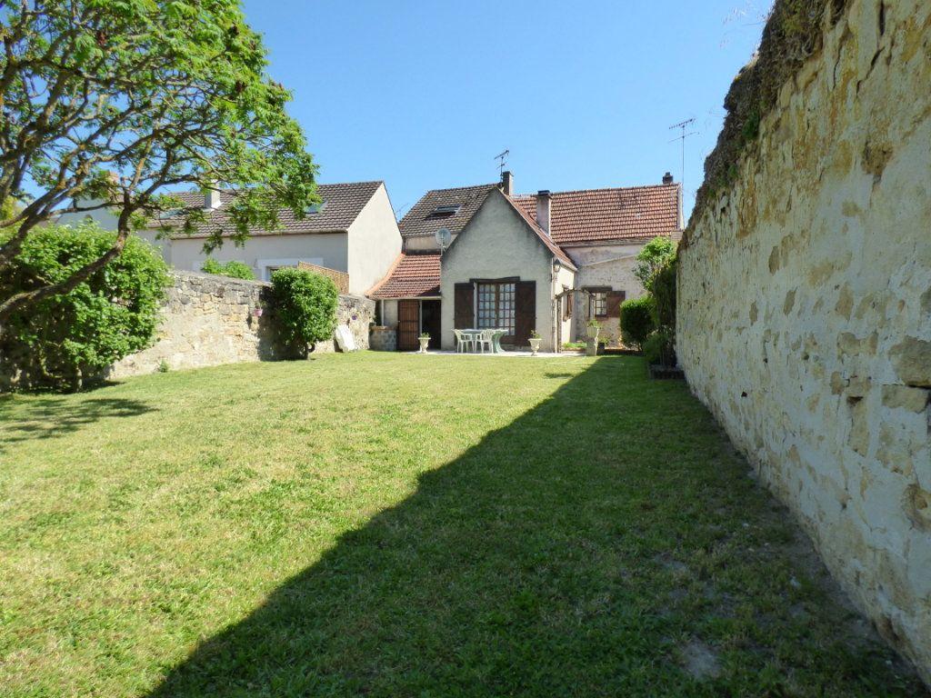Maison à vendre 5 100m2 à Menucourt vignette-1