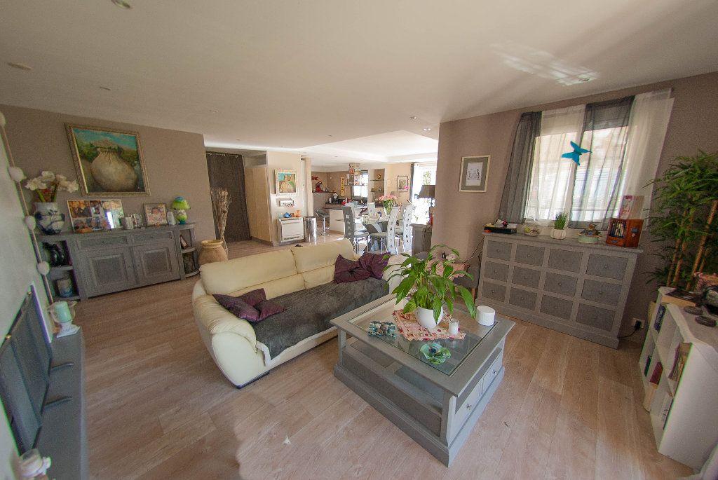 Maison à vendre 5 175m2 à Biot vignette-2