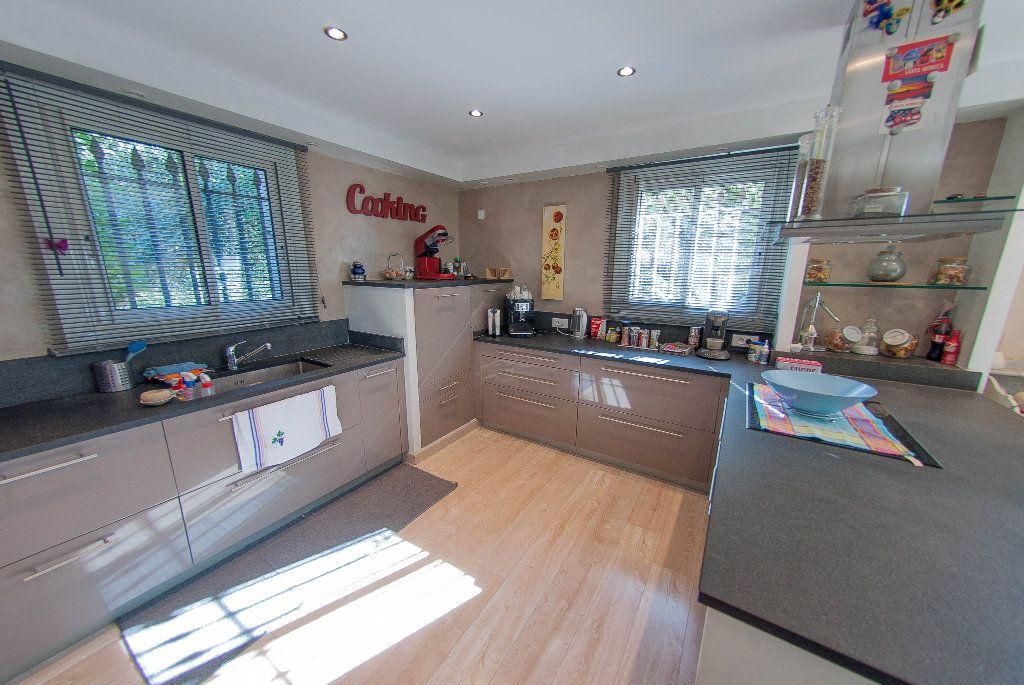 Maison à vendre 5 175m2 à Biot vignette-4