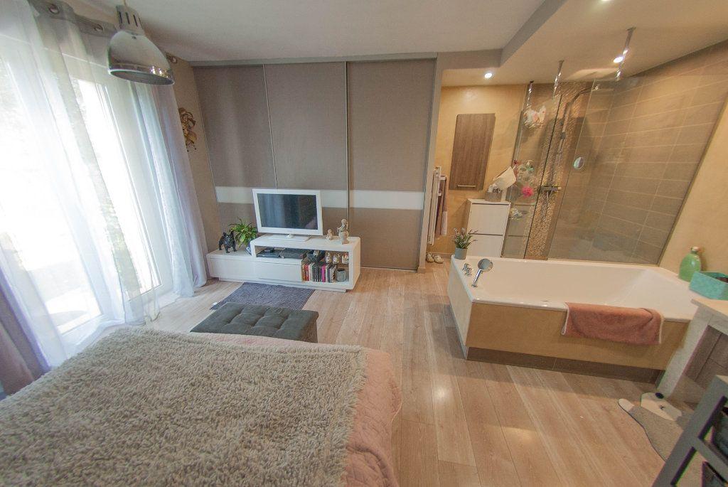 Maison à vendre 5 175m2 à Biot vignette-6
