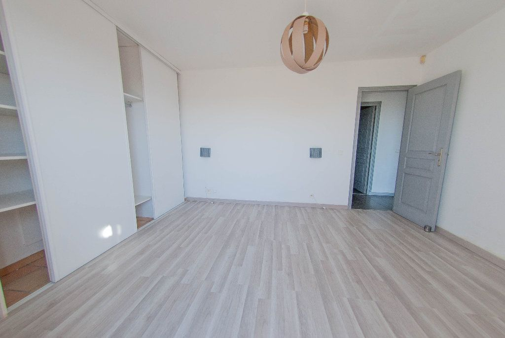 Maison à vendre 5 175m2 à Biot vignette-15