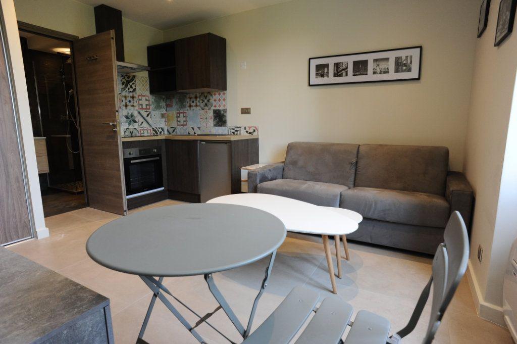 Appartement à vendre 1 18m2 à Biot vignette-2