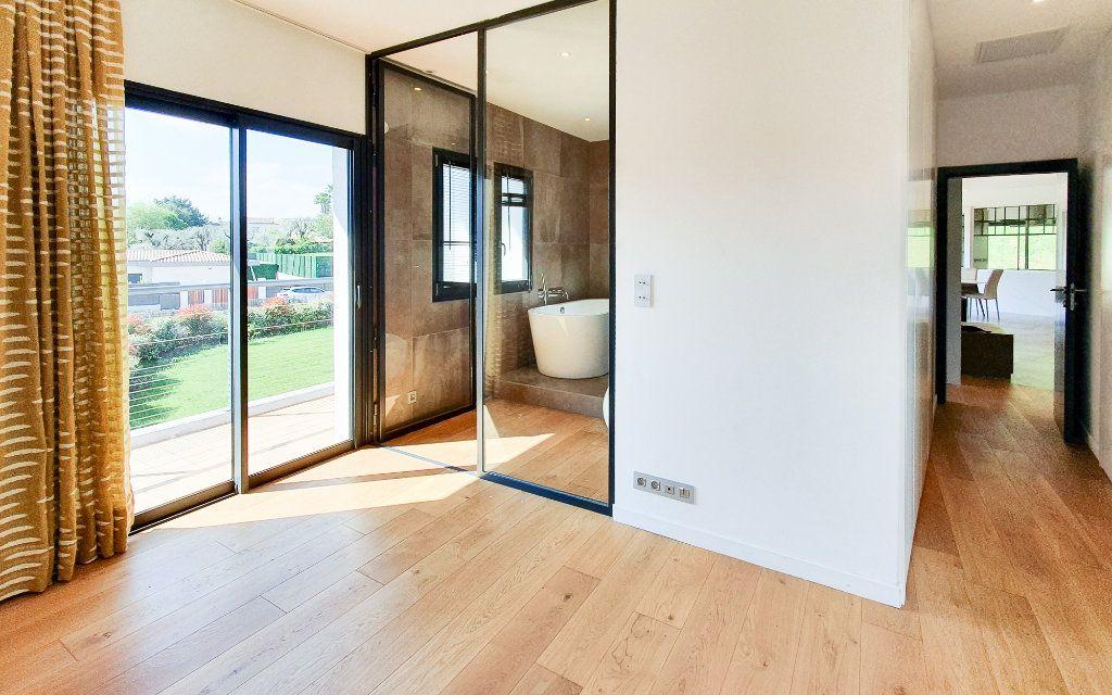 Maison à vendre 6 208m2 à Biot vignette-6