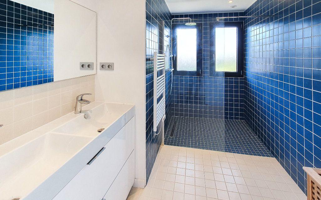 Maison à vendre 6 208m2 à Biot vignette-16