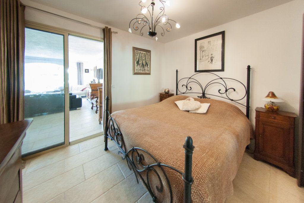 Maison à vendre 8 200m2 à Biot vignette-10