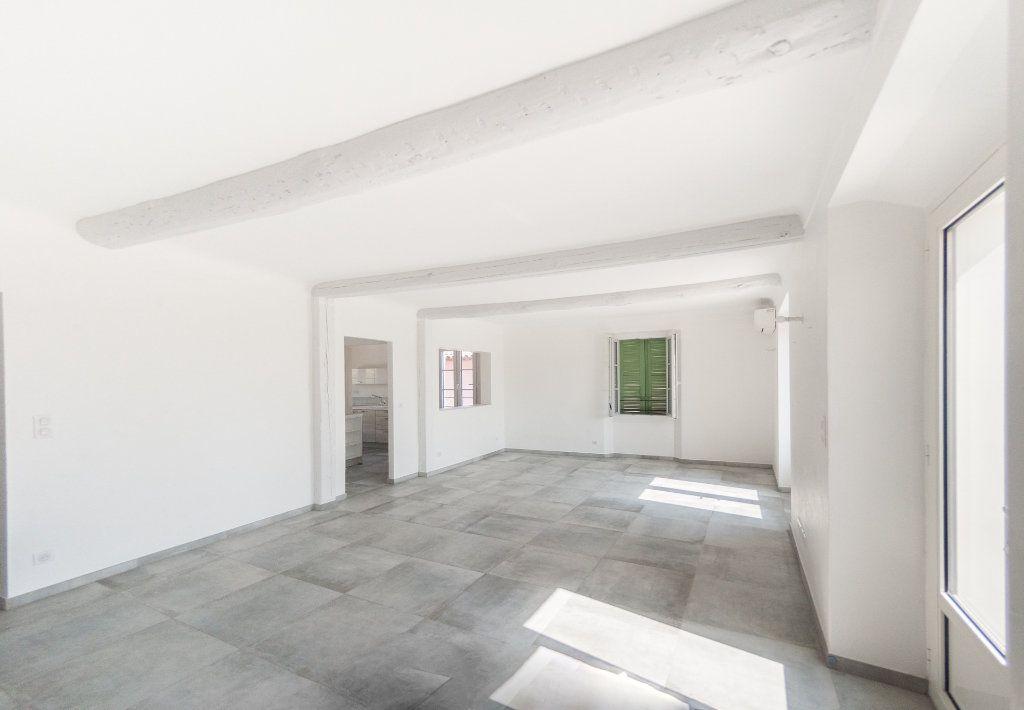 Appartement à louer 4 120.61m2 à Biot vignette-5