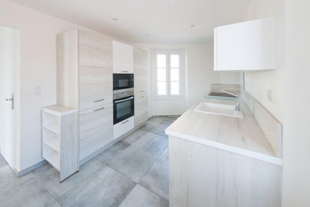 Appartement à louer 4 120.61m2 à Biot vignette-6