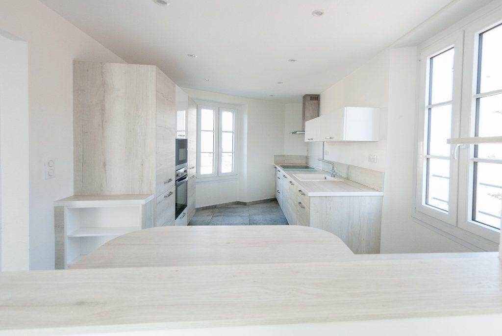 Appartement à louer 4 120.61m2 à Biot vignette-7