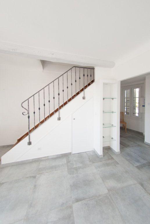 Appartement à louer 4 120.61m2 à Biot vignette-9