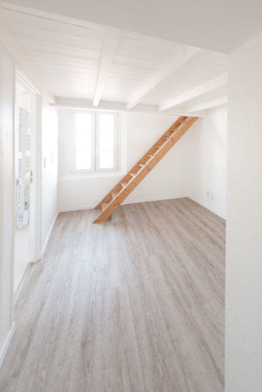 Appartement à louer 4 120.61m2 à Biot vignette-14