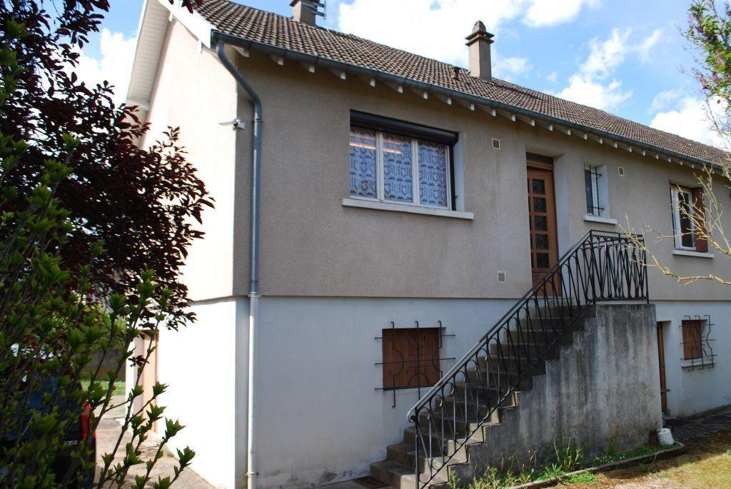 Maison à vendre 3 66m2 à Cosne-Cours-sur-Loire vignette-1