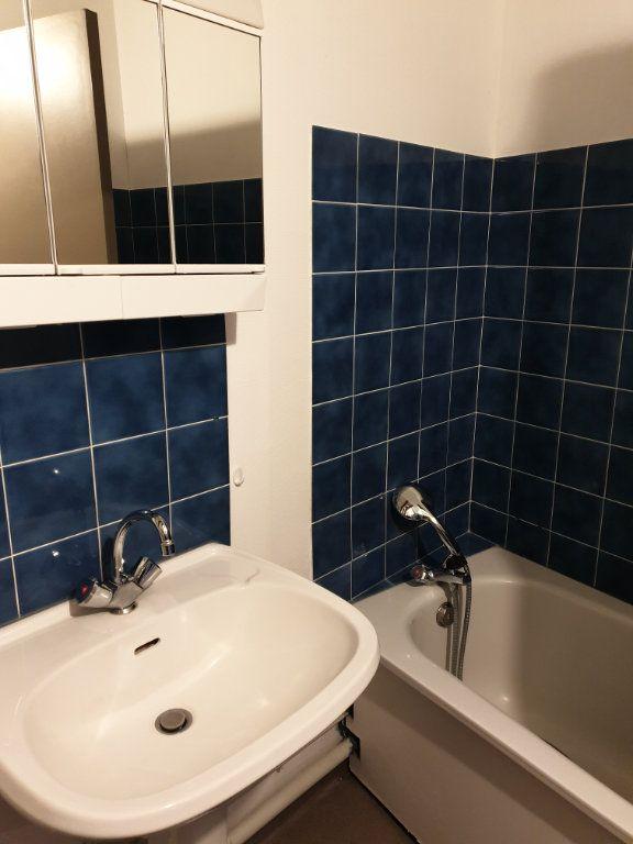 Appartement à louer 2 45m2 à La Charité-sur-Loire vignette-3
