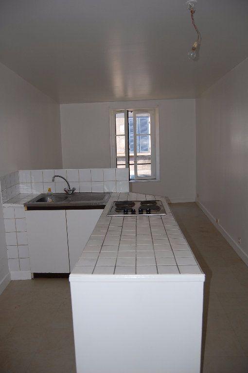 Appartement à louer 2 30m2 à Sancerre vignette-2