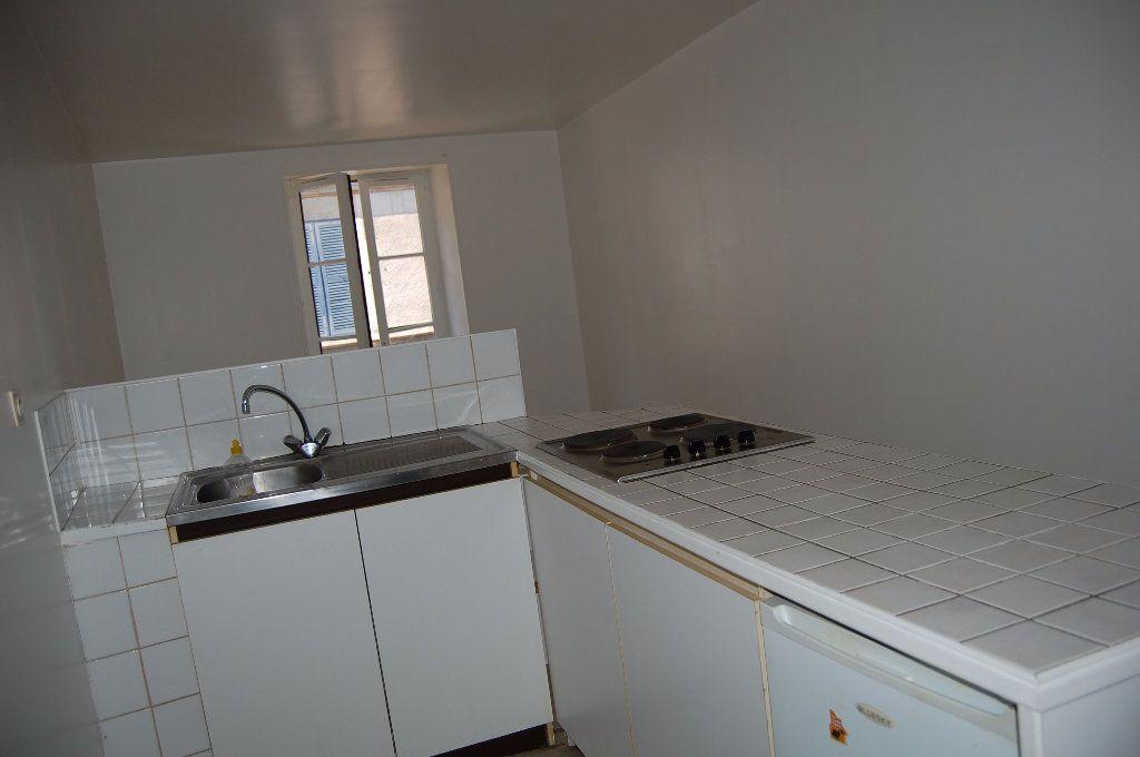 Appartement à louer 2 30m2 à Sancerre vignette-4