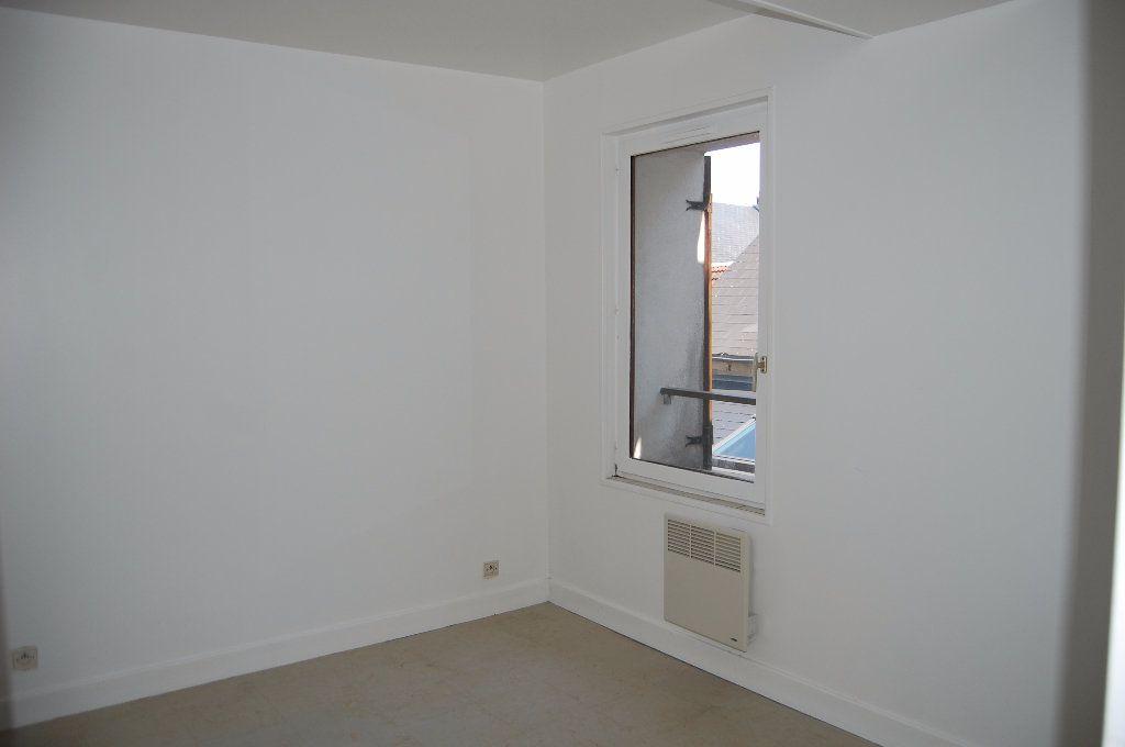 Appartement à louer 2 30m2 à Sancerre vignette-5