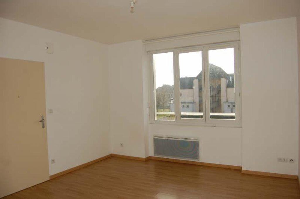 Appartement à louer 3 49m2 à Sancerre vignette-2