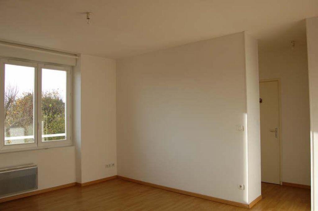 Appartement à louer 3 49m2 à Sancerre vignette-4