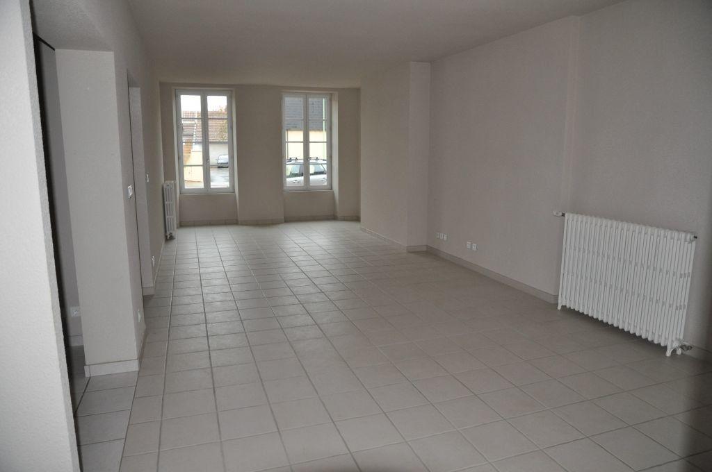 Appartement à louer 3 75.42m2 à Cosne-Cours-sur-Loire vignette-2