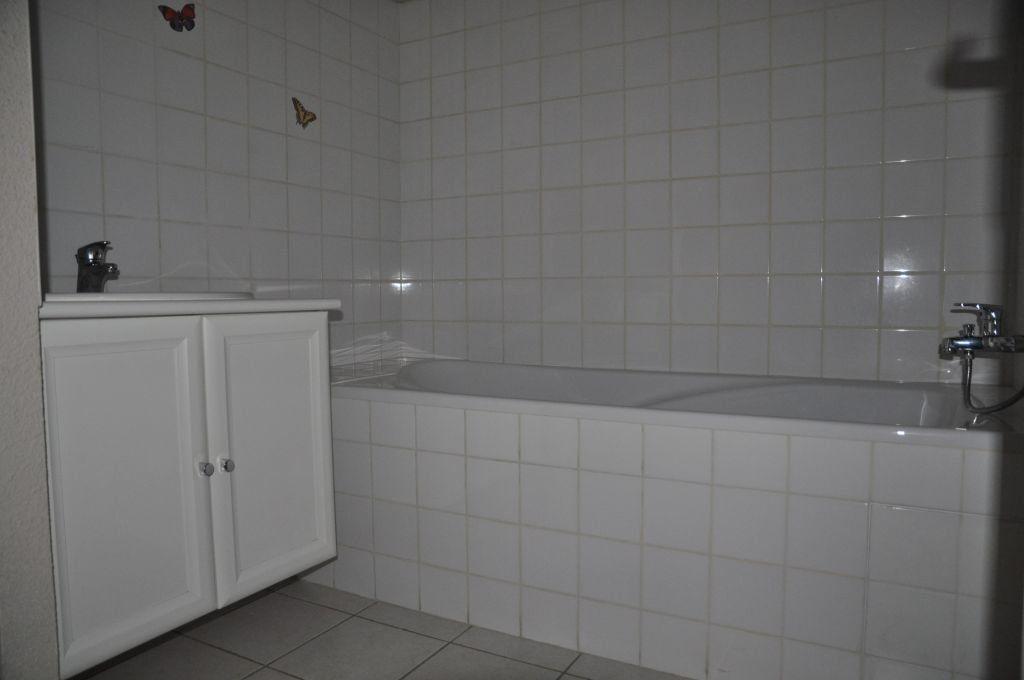 Appartement à louer 3 75.42m2 à Cosne-Cours-sur-Loire vignette-5