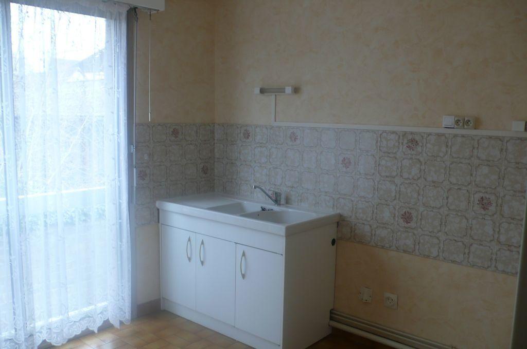 Appartement à louer 2 57m2 à Cosne-Cours-sur-Loire vignette-4