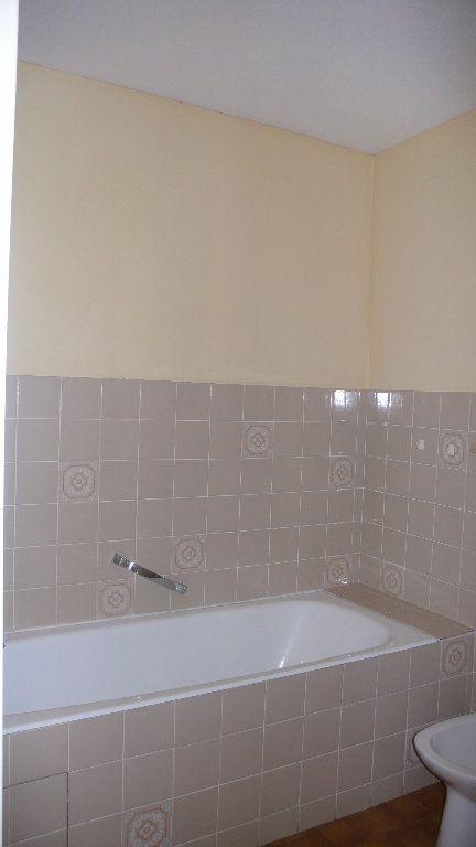 Appartement à louer 2 57m2 à Cosne-Cours-sur-Loire vignette-6