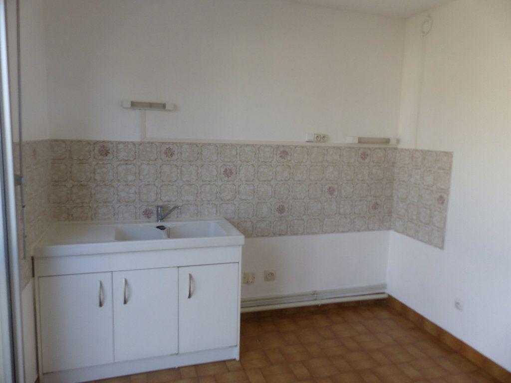 Appartement à louer 2 57m2 à Cosne-Cours-sur-Loire vignette-8