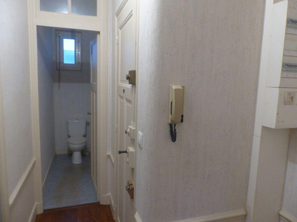 Appartement à louer 2 41m2 à Cosne-Cours-sur-Loire vignette-5