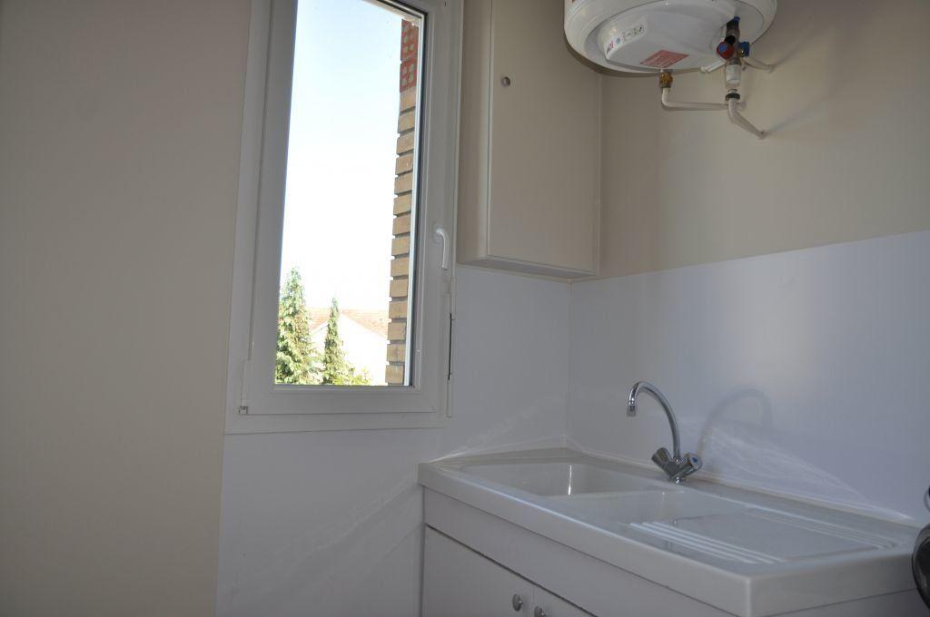 Appartement à louer 2 41m2 à Cosne-Cours-sur-Loire vignette-8