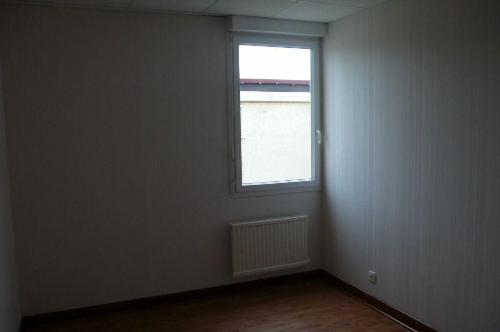 Appartement à louer 3 105m2 à Cosne-Cours-sur-Loire vignette-7