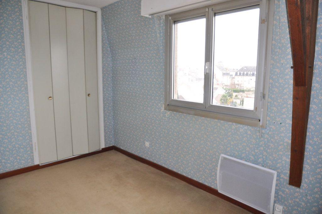Appartement à vendre 3 74m2 à Cosne-Cours-sur-Loire vignette-4