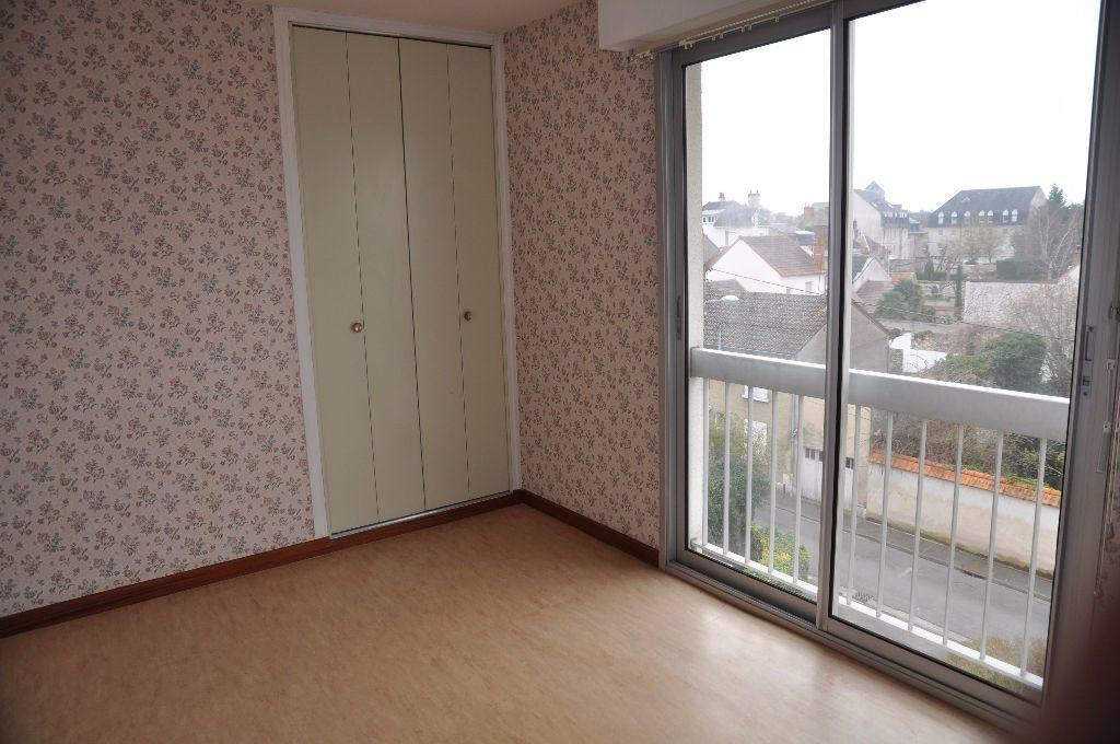 Appartement à louer 3 66m2 à Cosne-Cours-sur-Loire vignette-4