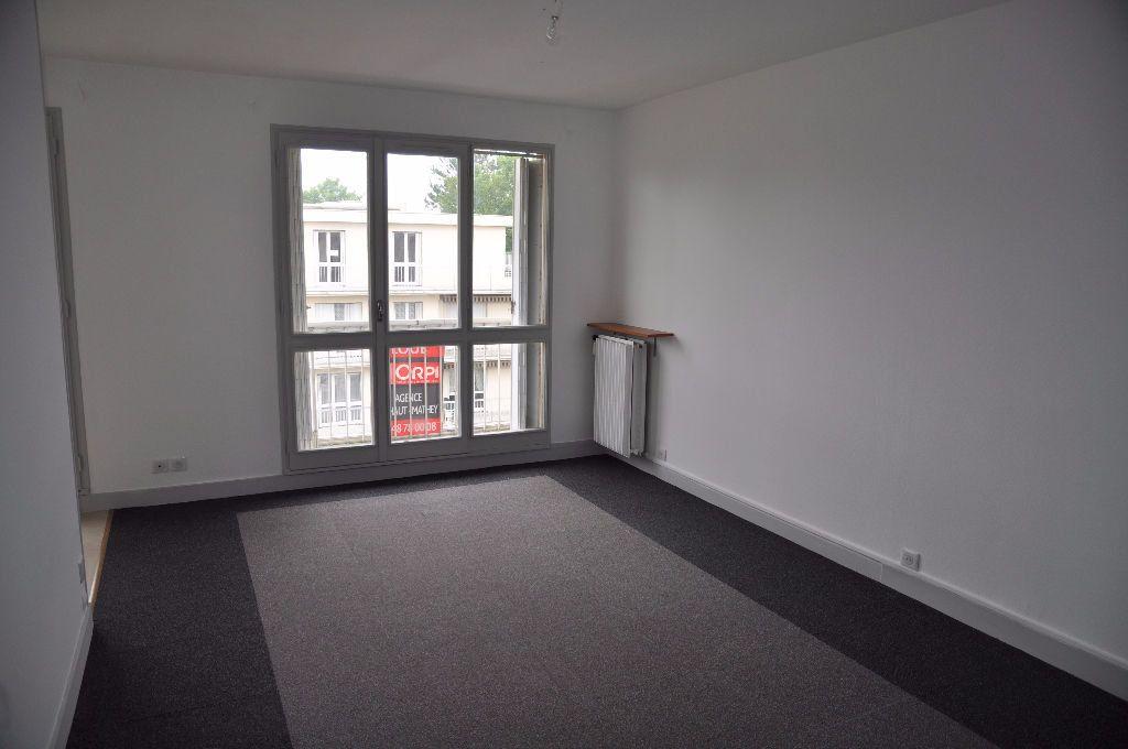 Appartement à louer 2 42m2 à Cosne-Cours-sur-Loire vignette-4