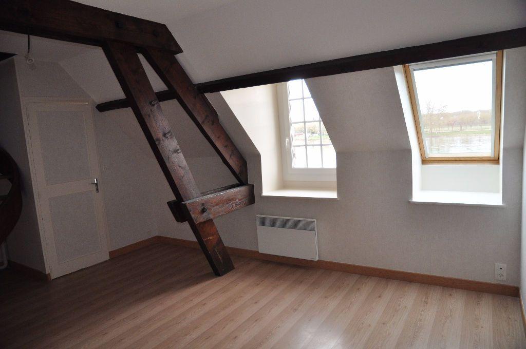 Appartement à louer 2 48m2 à Cosne-Cours-sur-Loire vignette-1