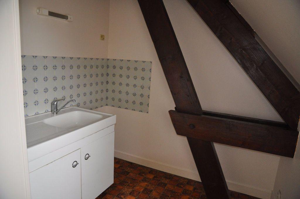 Appartement à louer 2 48m2 à Cosne-Cours-sur-Loire vignette-3