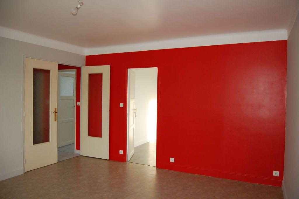 Appartement à louer 3 59.84m2 à Saint-Satur vignette-3