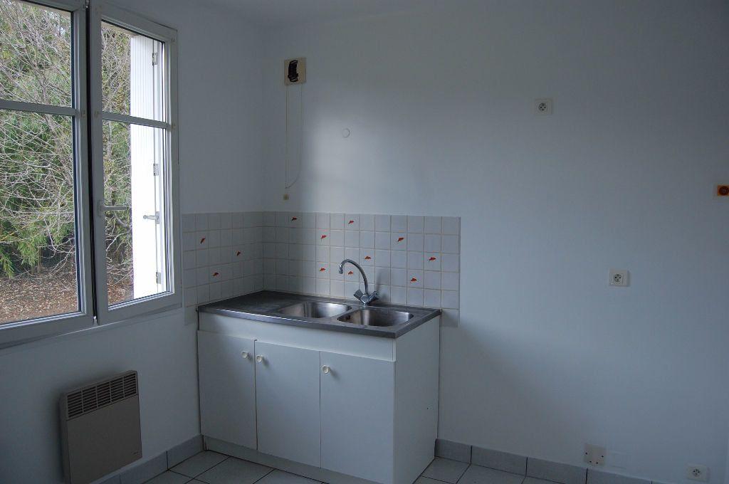 Appartement à louer 3 59.84m2 à Saint-Satur vignette-4