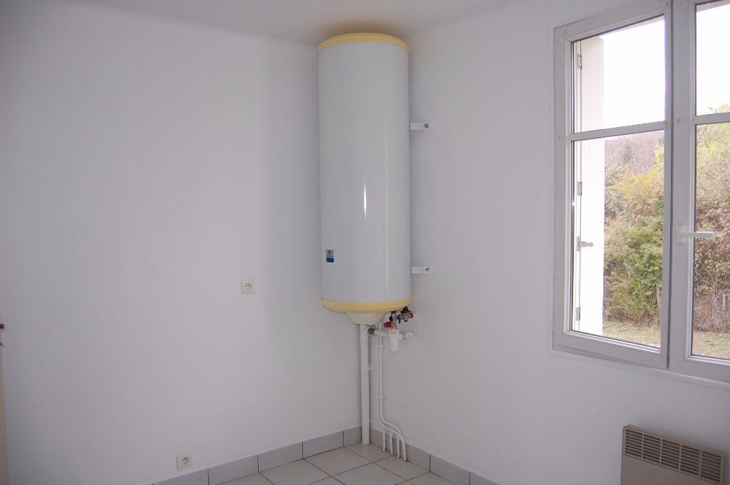Appartement à louer 3 59.84m2 à Saint-Satur vignette-6
