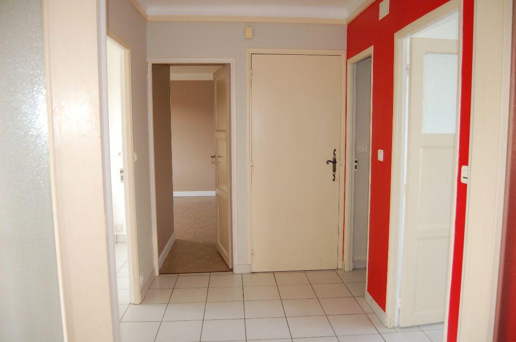 Appartement à louer 3 59.84m2 à Saint-Satur vignette-7