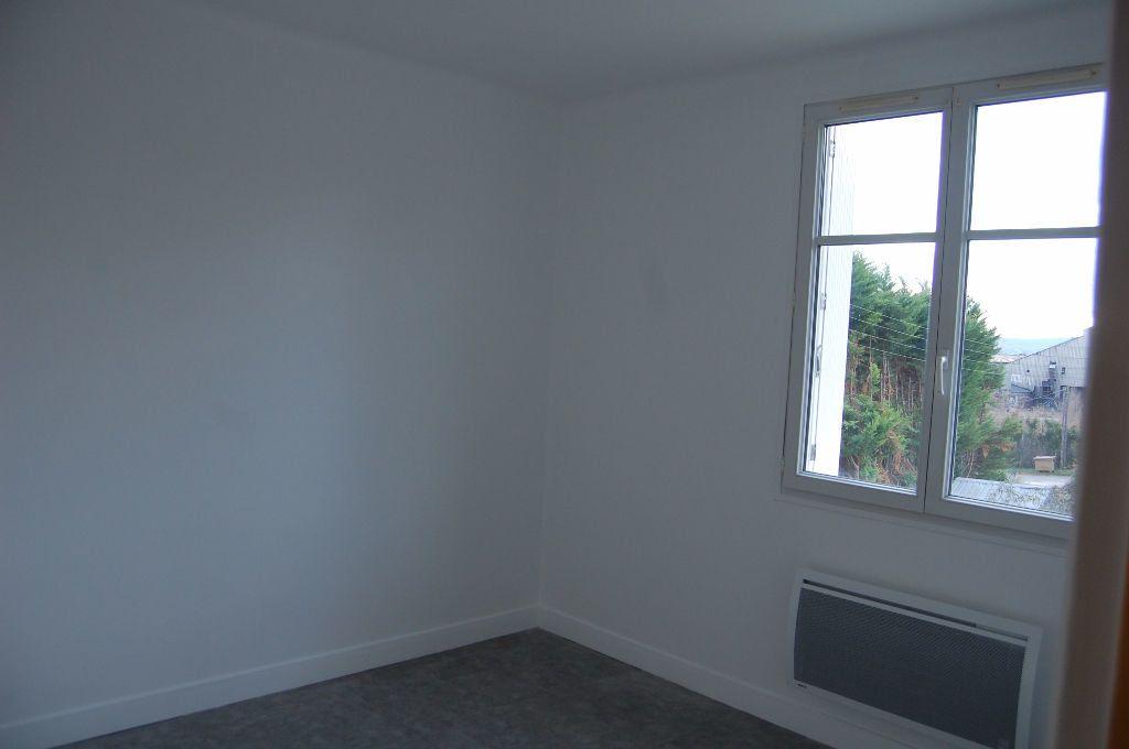 Appartement à louer 3 59.84m2 à Saint-Satur vignette-8