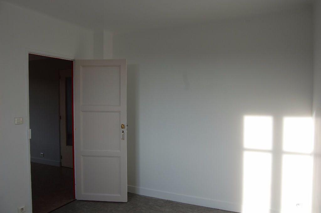 Appartement à louer 3 59.84m2 à Saint-Satur vignette-9