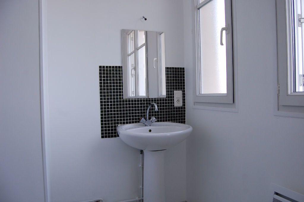 Appartement à louer 3 59.84m2 à Saint-Satur vignette-12