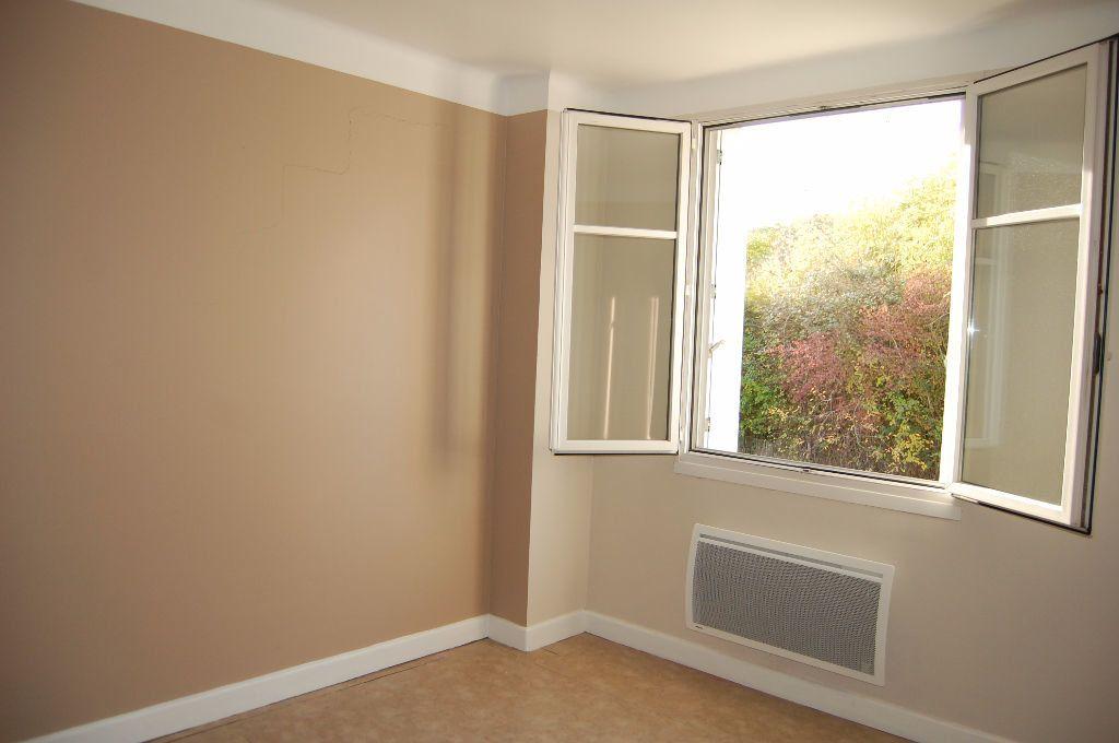 Appartement à louer 3 59.84m2 à Saint-Satur vignette-13