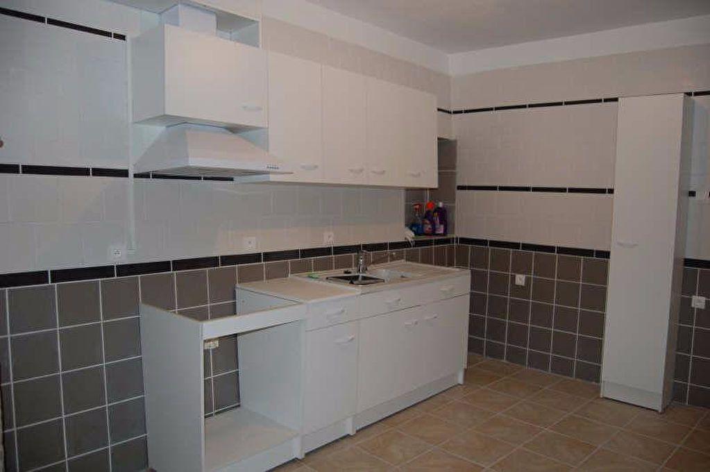 Appartement à louer 2 57m2 à Sancerre vignette-1